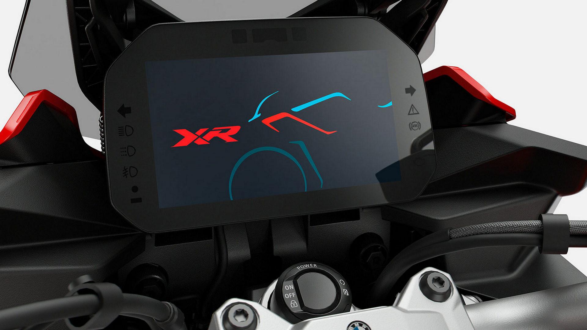 Приборная панель BMW Motorrad Connectivity с TFT-дисплеем.