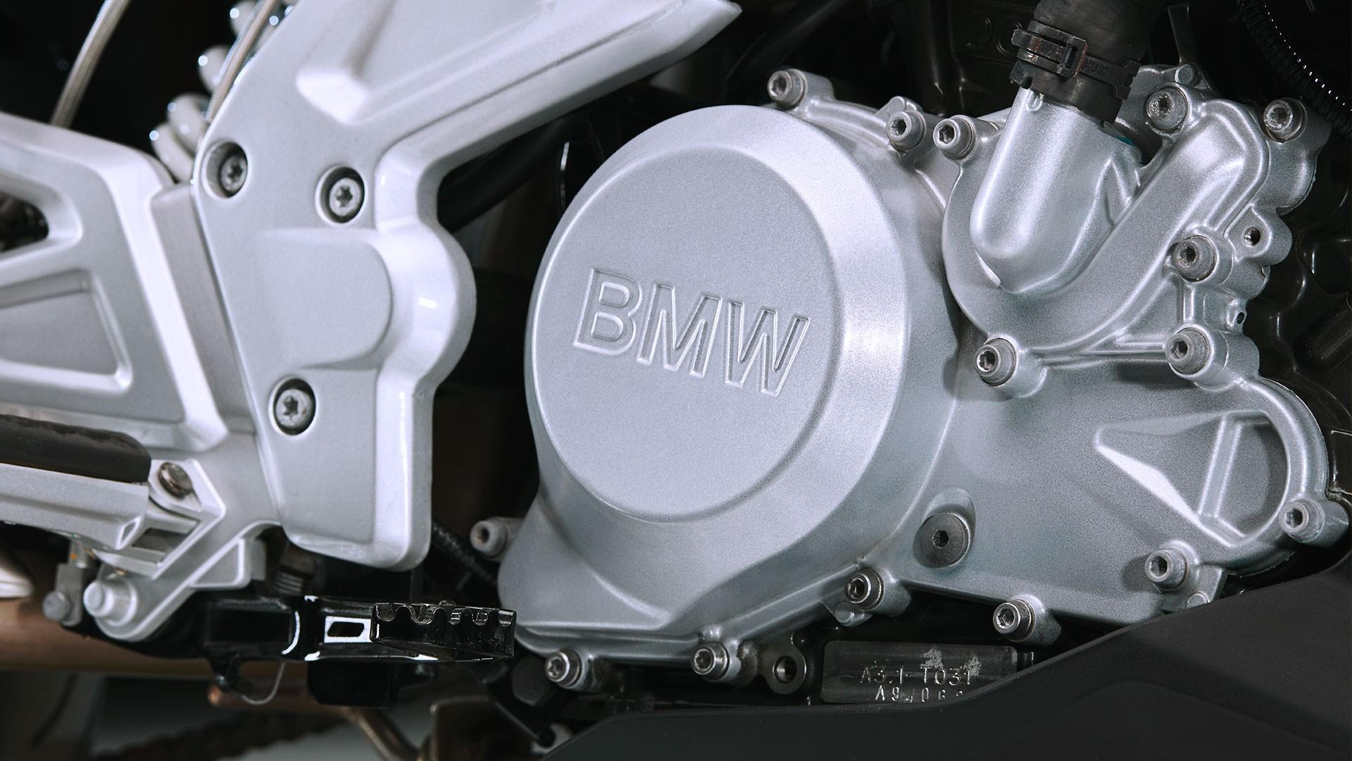 Инновационный одноцилиндровый двигатель.