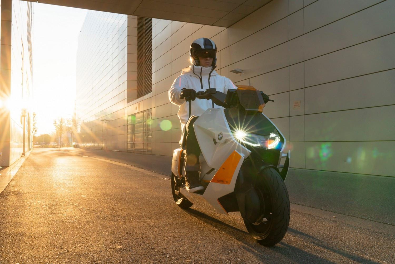 BMW Motorrad Definition CE 04 – новый городской стиль